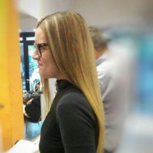Corte de cabello y alisado total