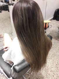 corte y alisado cabellos largos