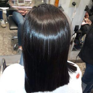pelo corto y cabellos rejuvenidos