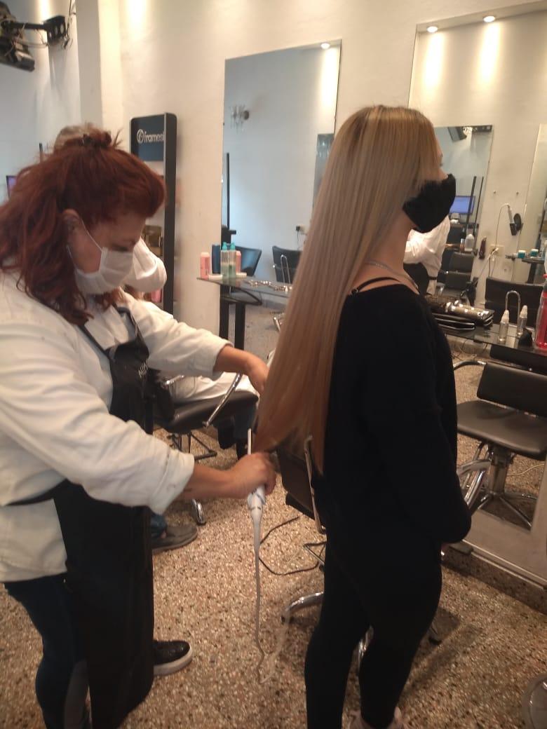cuidado intensivo para el cabello largo