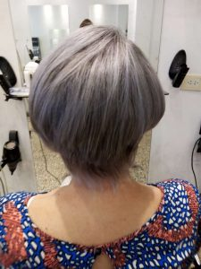 Corte corto de cabello para dama vista posterior