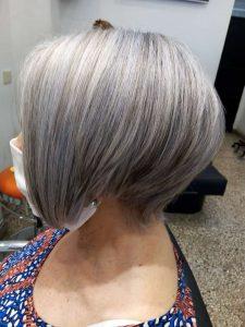 Moderno corte de cabello corto