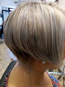 corte de cabello--mujer-vista derecha-muy corto